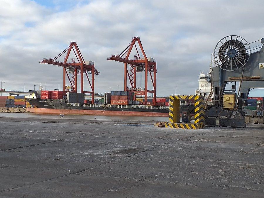 buque, Puerto de Sevilla